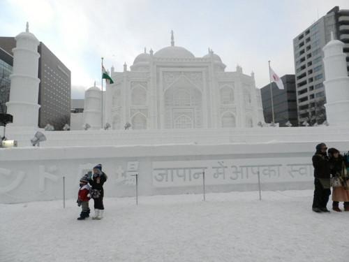 大雪像「タージ・マハル」