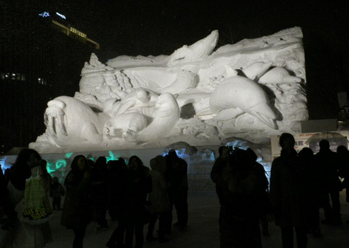 大雪像「雪の水族館」